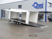 Fahrzeugtransporter mit Kofferaufbau